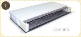 Materac sprężynowo-piankowy jednostronny. Pokrowiec wykonany jest z dzianiny Jersey, zdejmowalny, który można prać w temp. 40 stopni C. Po stronie użytkowej sprężyny obłożone są filcem i pianką T- 25 -2 cm oraz owatą 100g/ m2. Dolna część materaca obłożon